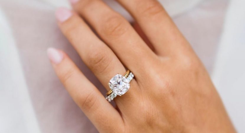 Buying A Diamond Engagement Ring Understand the 4C's First